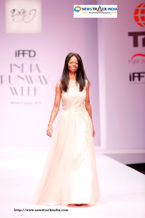 Acid Attack Victim Laxmi in Collection by Dolly J at India Runway Week 2014