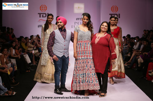Mugdha Godse in Collection by Sandeep Singh And Pummy Bhatia