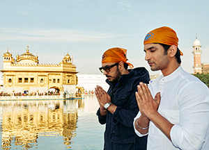 Director Dinesh Vijan wraps up the shoot of Raabta in Amritsar at the Golden Temple!
