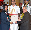 President of India presenting the Rajiv Gandhi Khel Ratna Award to Ms. P.V Sindhu